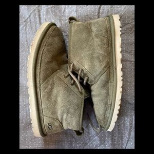 UGG Neumel Classic Chukka Boots Green Suede Size 9